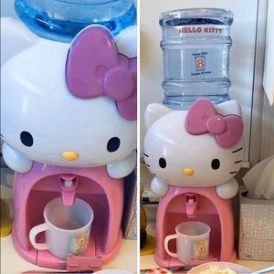 Hello Kitty 8 cup water dispenser plus 2 mugs cups
